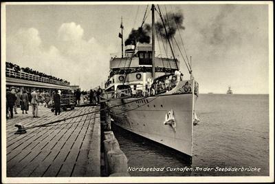 Cuxhaven,Seebäderbrücke,Dampfer Kaiser Der Hapag