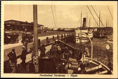 Insel Norderney, Blick Auf Dampfer Im Hafen