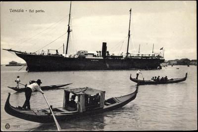 Venedig, Im Hafen, Gondelfahrer, Dampfer Espero