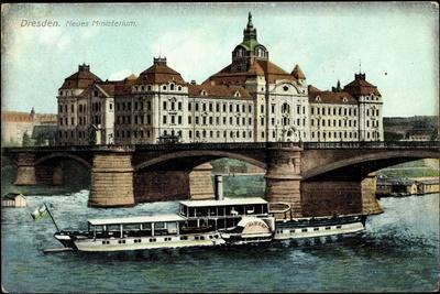 Dresden, Neues Ministerium, Dampfer Albert