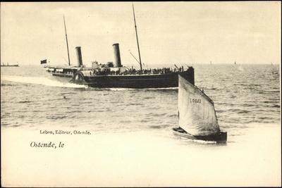 Ostende, Fährschiff Läuft An, Segelboot 077