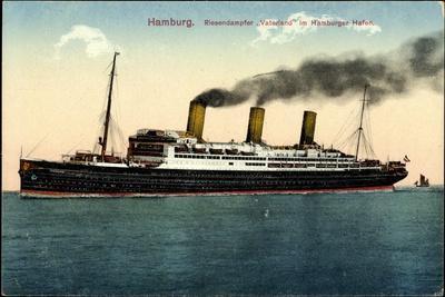 Hamburg, Riesendampfer Vaterland Im Hafen