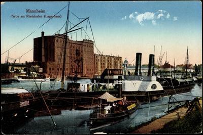 Mannheim, Partie Am Rheinhafen, Lagerhaus, Dampfer, Boot Moewe