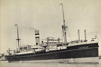Hapag, Dampfschiff S.S. Leerdam Nah Am Hafen