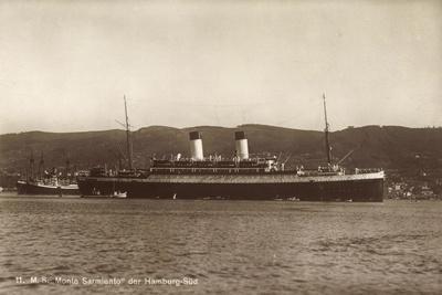 HSDG, M.S. Monte Sarmiento, Dampfschiff an Der Küste