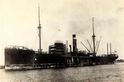 Dampfer City of Westminster, Steamer Near Port
