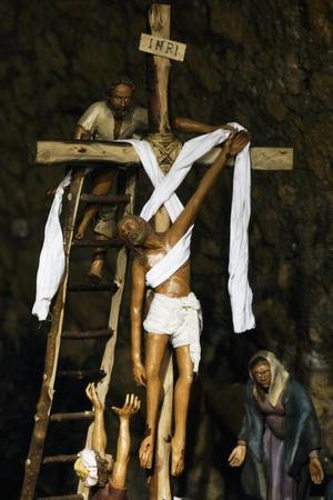 Deposition of Christ from Cross, Monumental Ceramic Nativity Scene