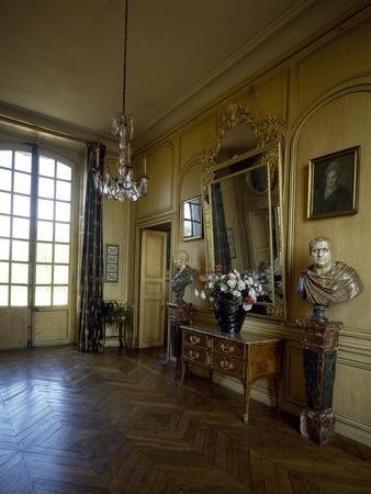 France, Chateau De Thoiry, Atrium Interior