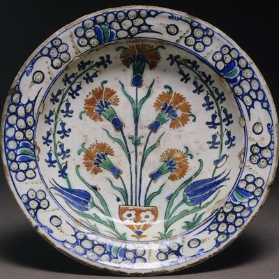 Plate with Floral Designs, Iznik Pottery, Turkey