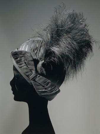 Women's Cloche Hat in Silk Organza and Black Satin, with Indian Veil and Rooster Feathers