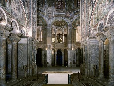 Italy, Emilia-Romagna, Ravenna, Interior of Basilica of San Vitale