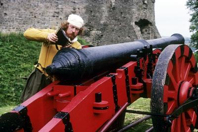 English Gunner Loading Cannon, Tudor Period 16th Century, Historical Re-Enactment