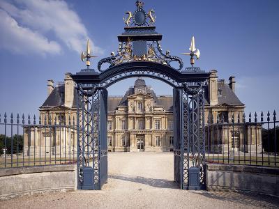 Facade Facing Park, Chateau Du Maisons-Laffitte, France