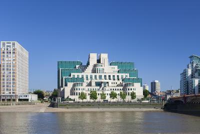 SIS and MI6 Building, 85 Albert Embankment, Vauxhall, London