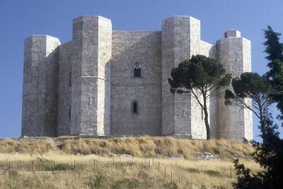 Castel Del Monte, 1229-1249
