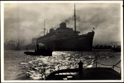 Dampfer Europa Der Norddt. Lloyd Im Hamburger Hafen