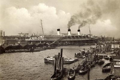 Hamburg, HSDG, Dampfschiff Cap Arcona, Jonas