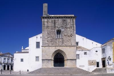 Faro Cathedral with Gothic Foundations and Renaissance Interior