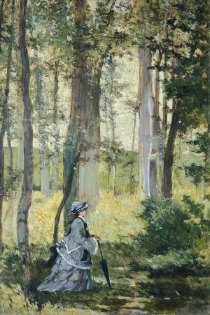 Vallospoli, Woman in Woods