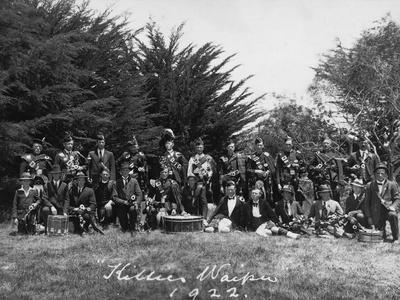Pipers and Drummers, Waipu, 1922