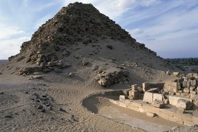 Pyramid of Sahura, Abusir