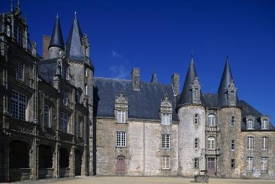 Facade of Rocher Castle