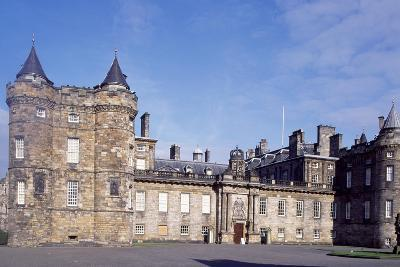 Facade of Holyroodhouse Palace, 1671-1679