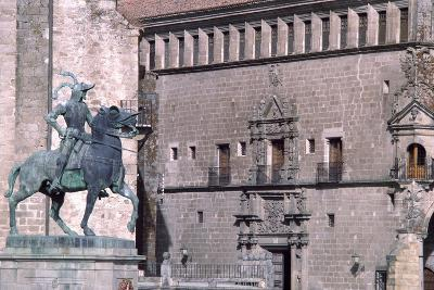 Equestrian Statue of Francisco Pizarro