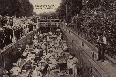 Boulter's Lock, River Thames, Maidenhead, Berkshire