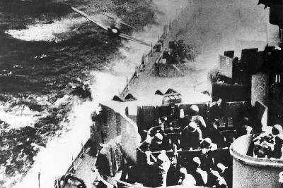 Japanese Kamikaze Plane Attacks USS Missouri, 1944