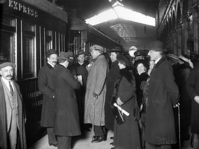 Feodor Ivanivich Chaliapin at St Petersburg Railway Station, 1913