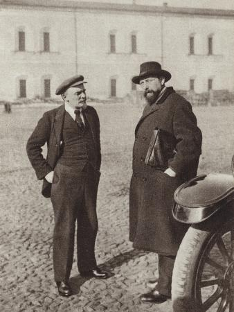 Lenin and V D Bonch-Bruyevich in the Kremlin, Moscow, October 1918