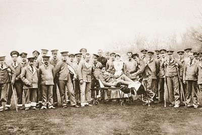 Convalescent Soldiers and their Countess-Nurse: Lady Onslow with Some of Her Patients