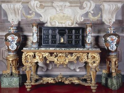 Carved and Gilt Wood Console Table with Curved Legs Joined by Crossed Stretchers and Marble Top