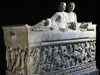 Marble Sarcophagus with Marble Group on Lid Depicting Deceased Couple