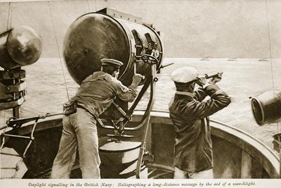 Daylight Signalling in the British Navy