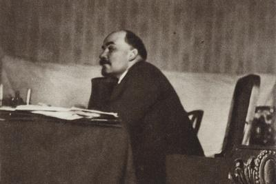 Lenin at a Plenary Session of the CC of the RCP(B) in the Kremlin, Moscow, 5 October 1922