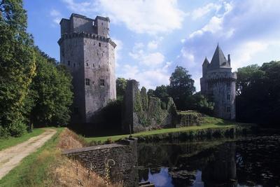 France, Brittany, Morbihan, Elven, Largoët Medieval Castle, also known as Tours D'Elven