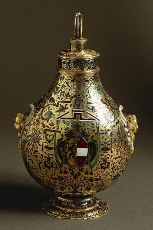 Enamelled Gold Flask with Salzburg Coat of Arms and Archbishop Wolf Dietrich Von Raitenau's Emblem