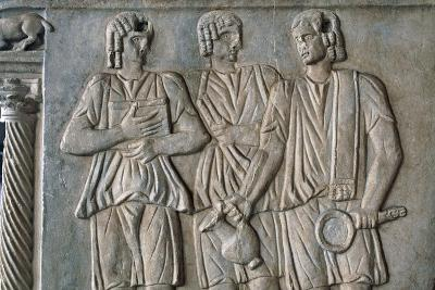 Three Figures with Patera
