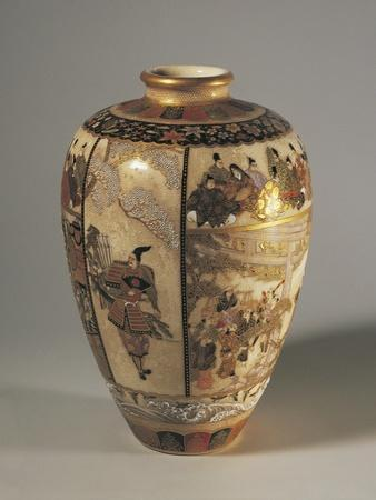 Small Vase Decorated with Samurai Stories