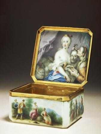Snuffbox Decorated with Biblical Story of Judith and Holofernes