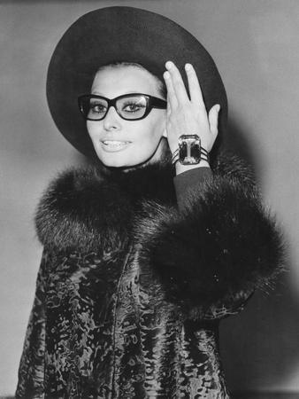 Sophia Loren Arriving in London to Begin Work on a Countess from Hong Kong