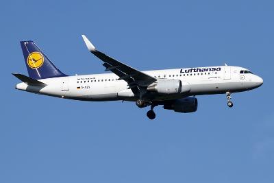 A Lufthansa Airbus A320-200 Sharklet