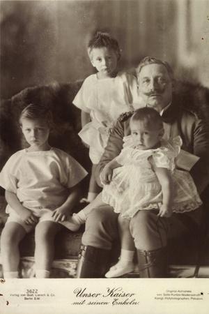 Kaiser Wilhelm II Mit Seinen Enkeln, Liersch 3622