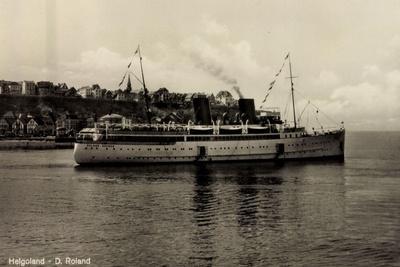 Schiff Roland Bremer Vor Helgoland in See