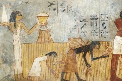 Egypt, Thebes, Tomb of Unsu, Woman Bringing Food to Workers in Fields