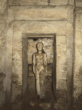 Egypt, Alexandria, Catacombs of Kom-Esh-Shuqafa, Interior of the Hypogeum, Niche with Female Statue