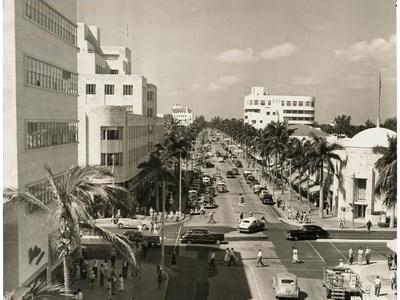 Lincoln Road Looking West from Washington Avenue, Miami Beach, C.1948