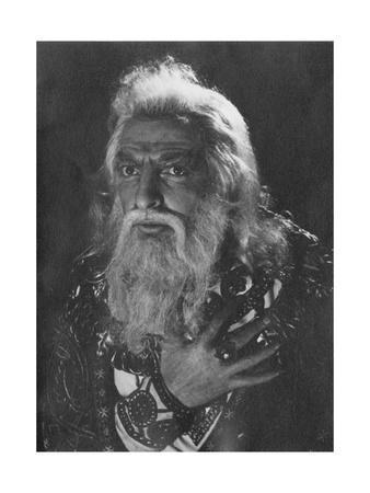 Actor Hugh Griffith as King Lear